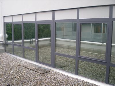 Außenansicht des fertigen Fenster Sonnenschutzes